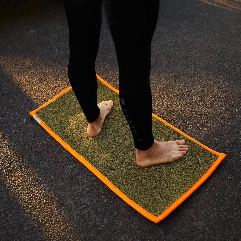 Surf Turf Compact Tailgate Mat